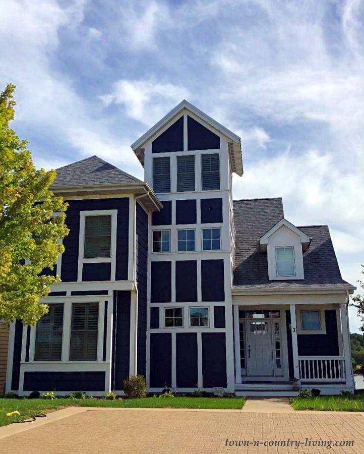 Modern Style Gray Cottage
