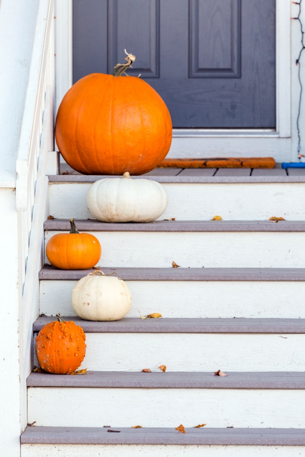 Pumpkins on the Front Steps: Fall Front Door Decor