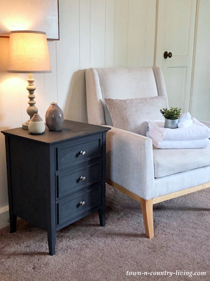 Cozy Farmhouse Sitting Room