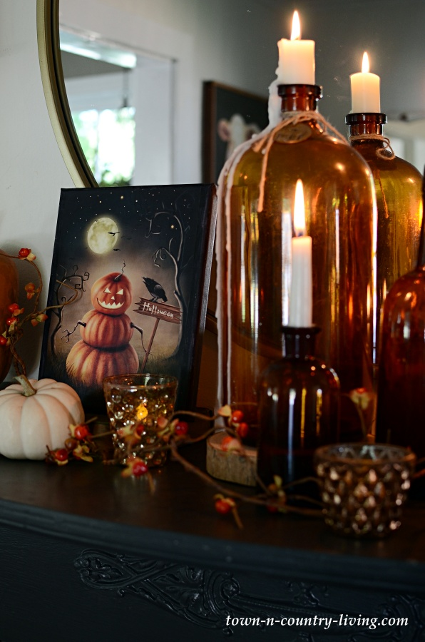 Spooky Halloween Mantel with Free Printables