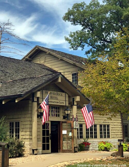 Starved Rock Lodge in Utica, Illinois
