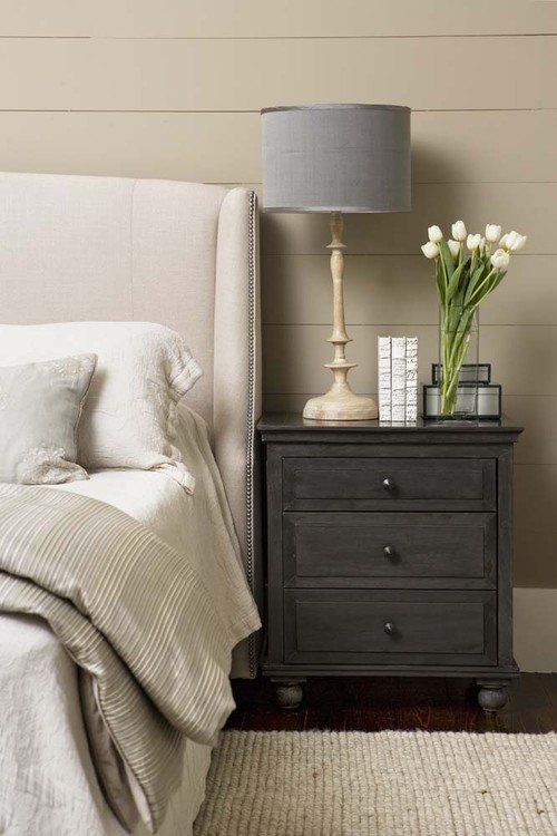 Neutral Color Scheme in Country Bedroom