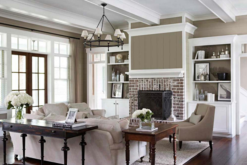 Southern Style Living Room in Neutral Tones