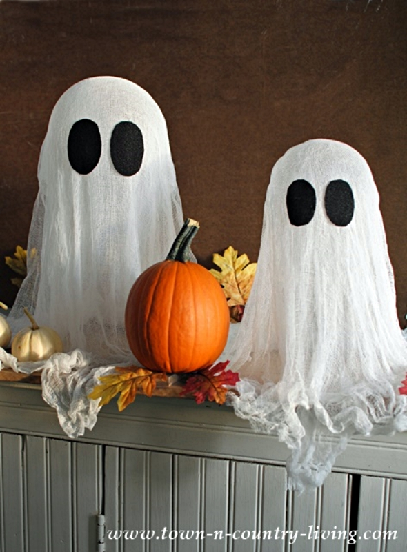 How to Make Halloween Ghosts from Cheesecloth and Starch
