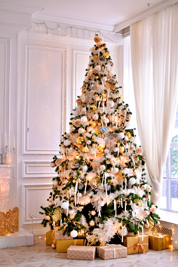 Modern Glam Christmas Tree and Presents in Living Room