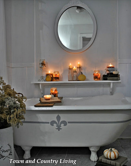 Candleight Bath in a Vintage Claw Foot Tub