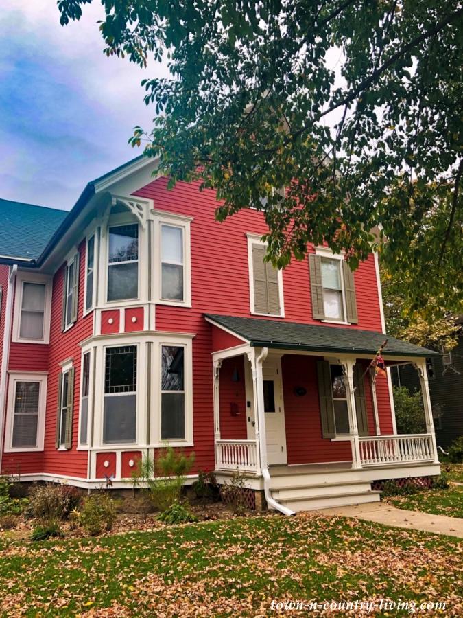 Walking Tour of Lake Geneva, Wisconsin - Red Victorian House
