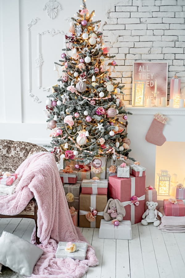 Christmas living room with a shabby chic Christmas tree and presents