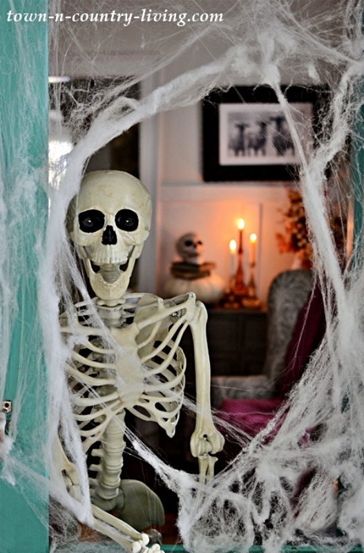 Halloween Home Tour with Skeleton Sightings