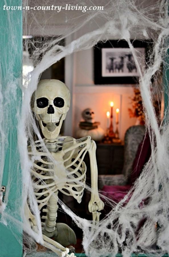 Skeleton Halloween Home Tour
