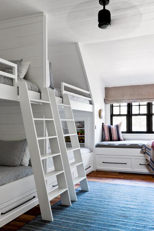 Built In Bunk Beds in Kids Bedroom