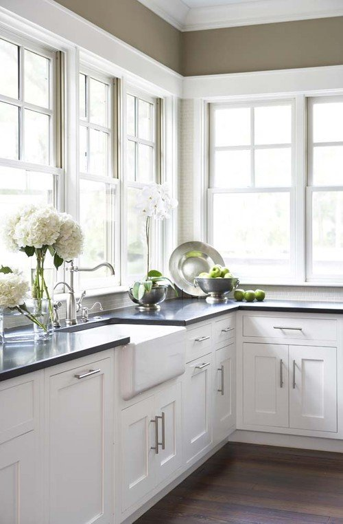 Wrap Around Windows in Low Country Home Kitchen