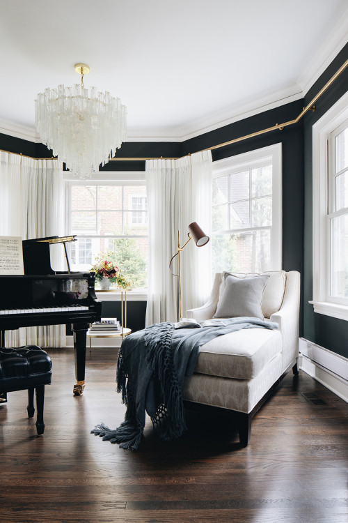 Chaise lounge in navy blue and white music room