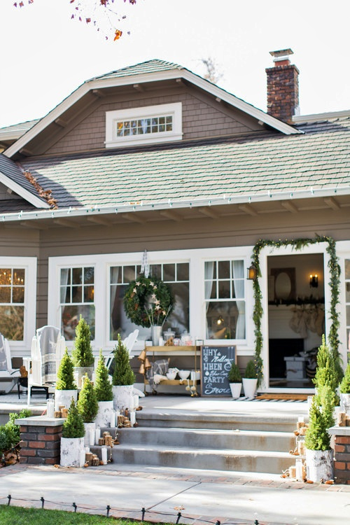 Christmas Bungalow  Tour - Dressed for the Holidays