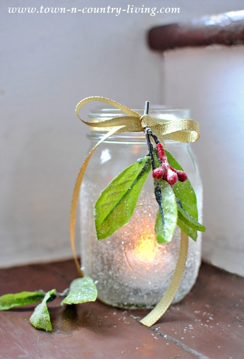 Christmas Crafts - Frosted Mason Jar Candle Holders