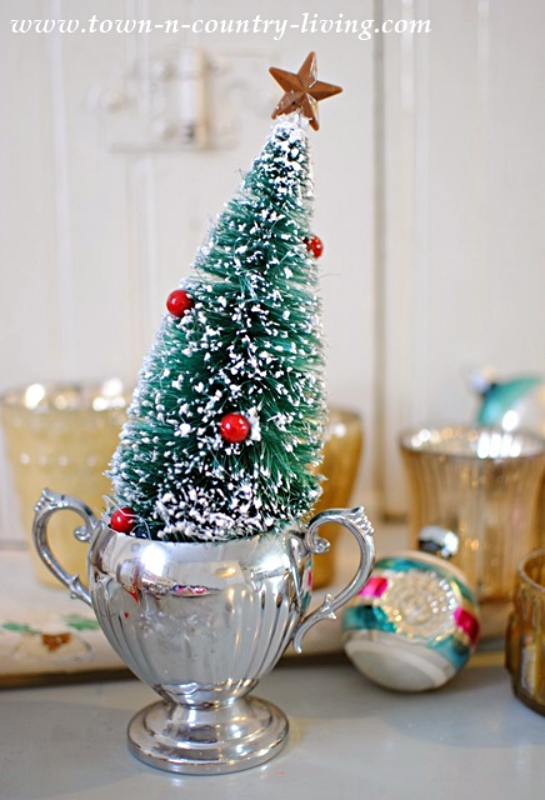 Green Bottle Brush Christmas Tree in Silver Trophy