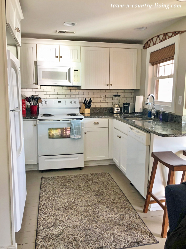 White Kitchen in an Airbnb Lake Condo