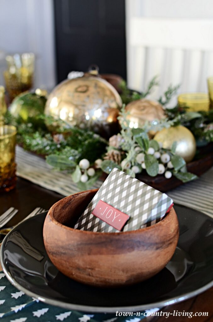 Christmas Table Setting Inspired by Crate and Barrel