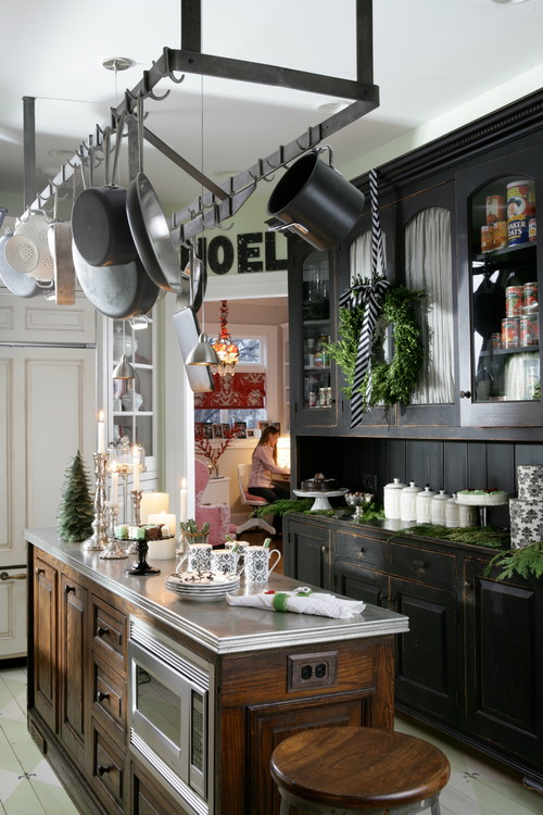 Eclectic Farmhouse Kitchen Decorated for Christmas