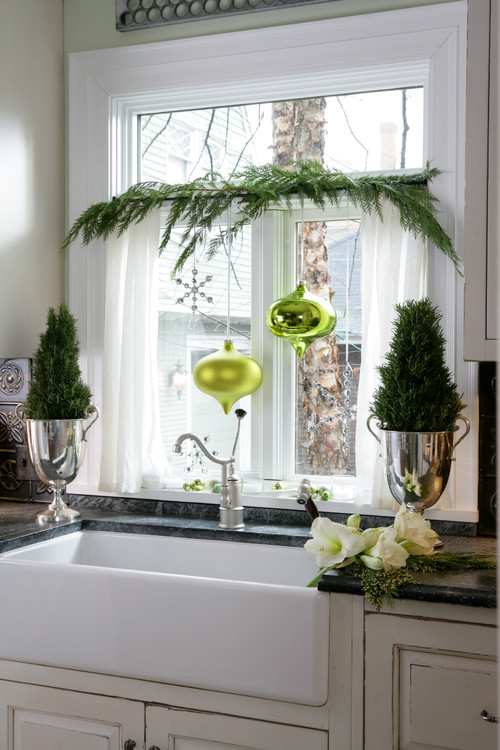 Farmhouse Kitchen Sink Decorated for Christmas