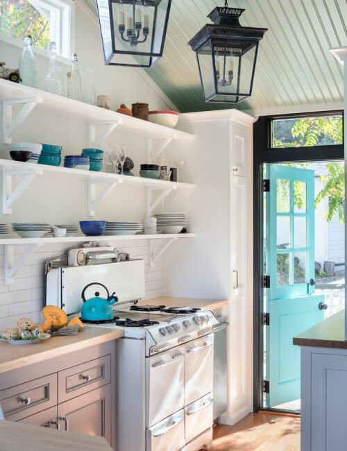 Open Shelving in Small and Stylish Kitchen
