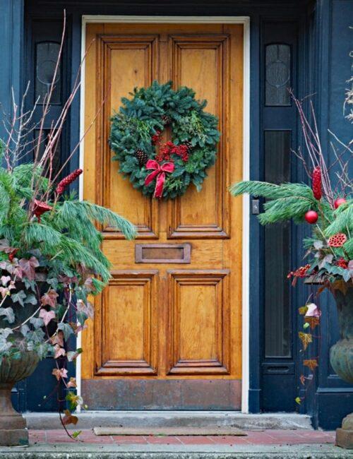 Holiday Door Ideas with Wreaths