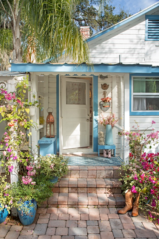 The Florida Cottage of Fifi O'Neill