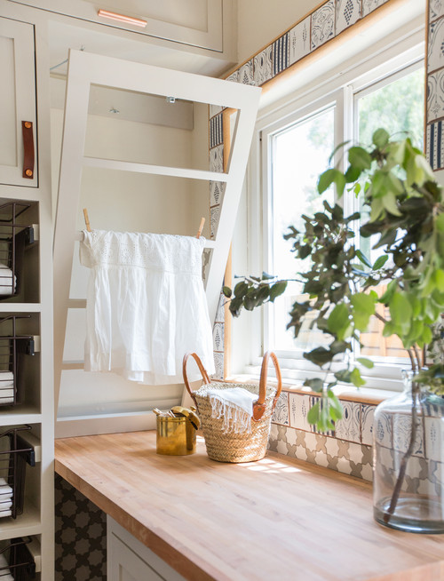 Cottage Laundry Room Details