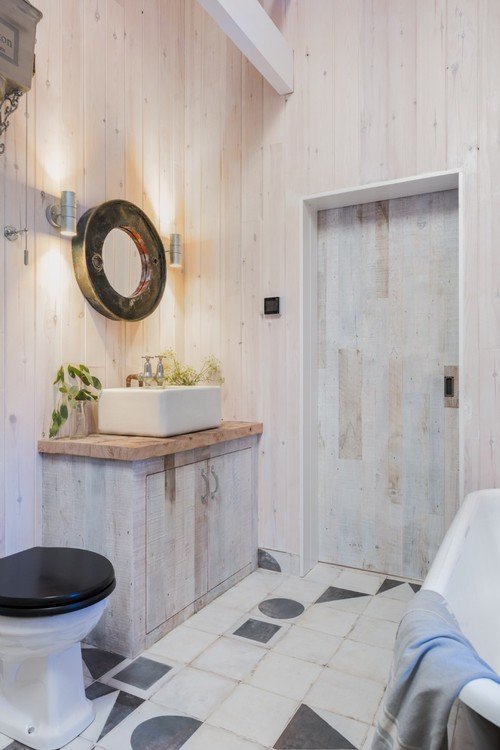 Light Wood Walls in Beach Cottage Bathroom