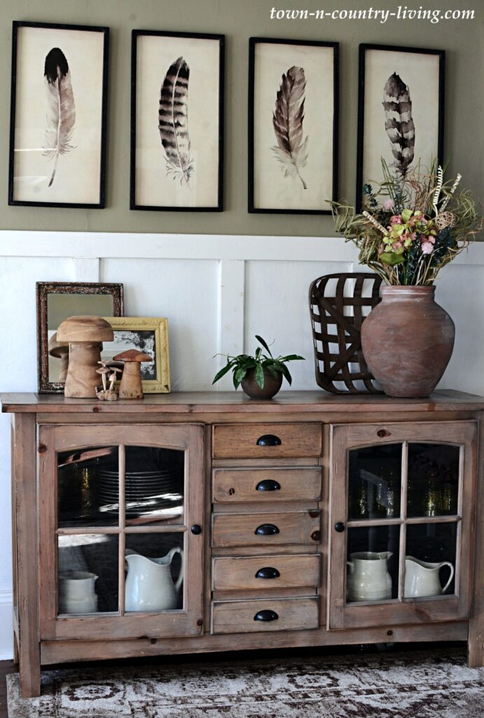 Modern Country Decor in an Old Home with Vintage Finds