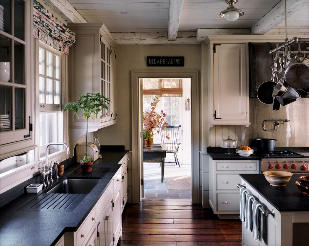 Classic, Timeless Kitchen in Traditional Style