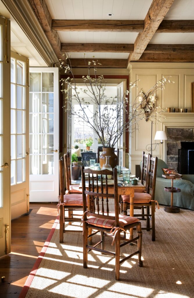 Traditional, American country-style dining room