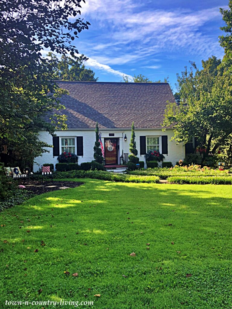 White Cape Cod - the Charming Homes of Maryville, TN
