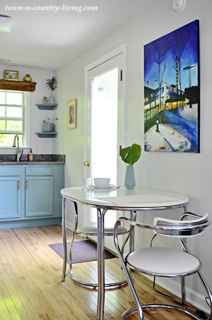 Eclectic Cottage Kitchen and Breakfast Nook