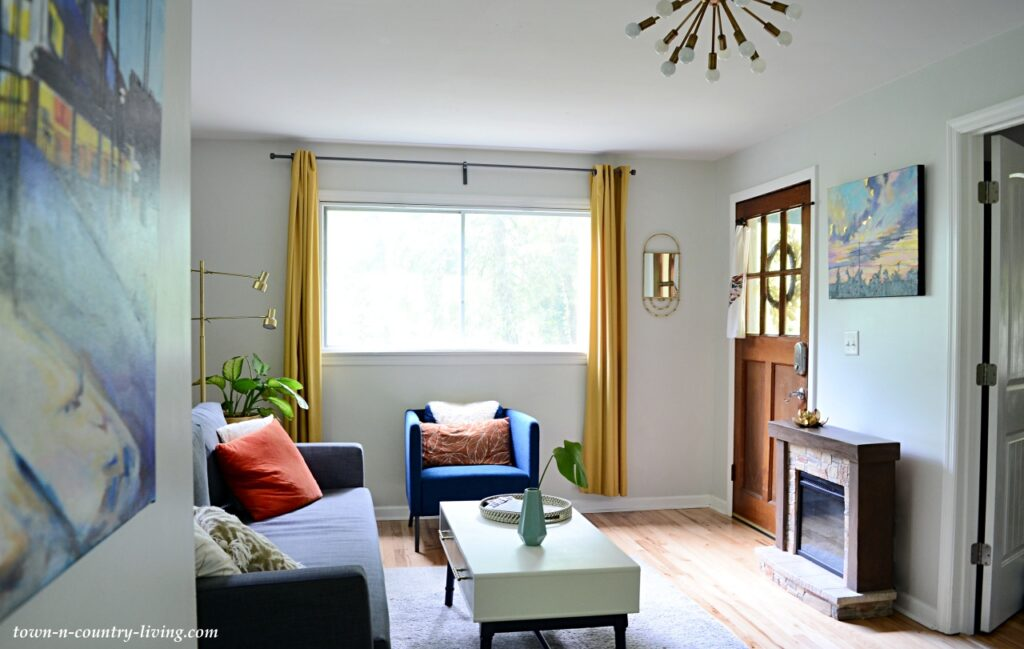 Eclectic Cottage Style Living Room