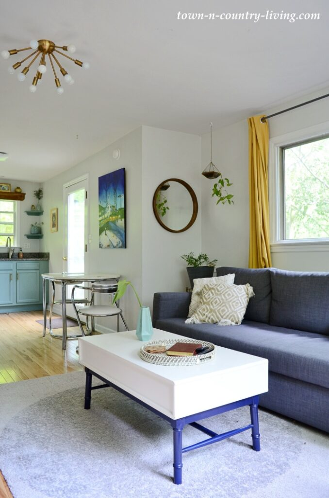 Eclectic Cottage Style Living Room in Small House