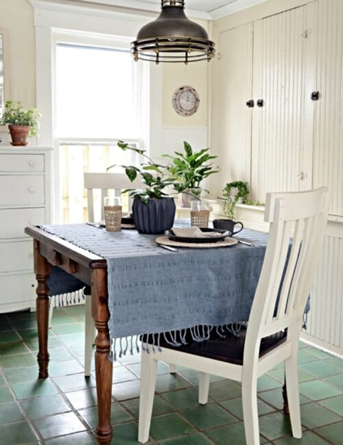 Farmhouse Kitchen Breakfast Nook