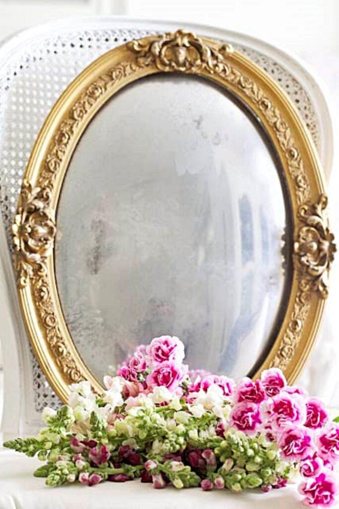Mirror by Shabbyfufu