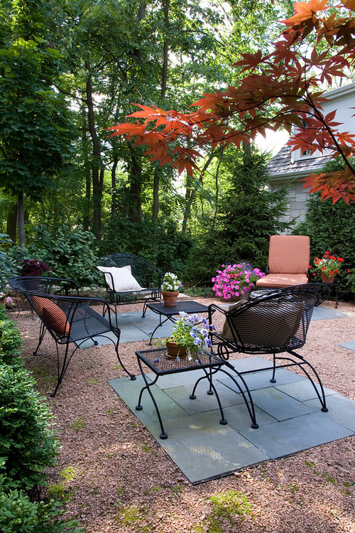 Pavers and Gravel Patio with Furniture