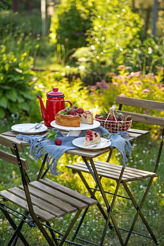 Outdoor Summer Dining - Bistro Table Set