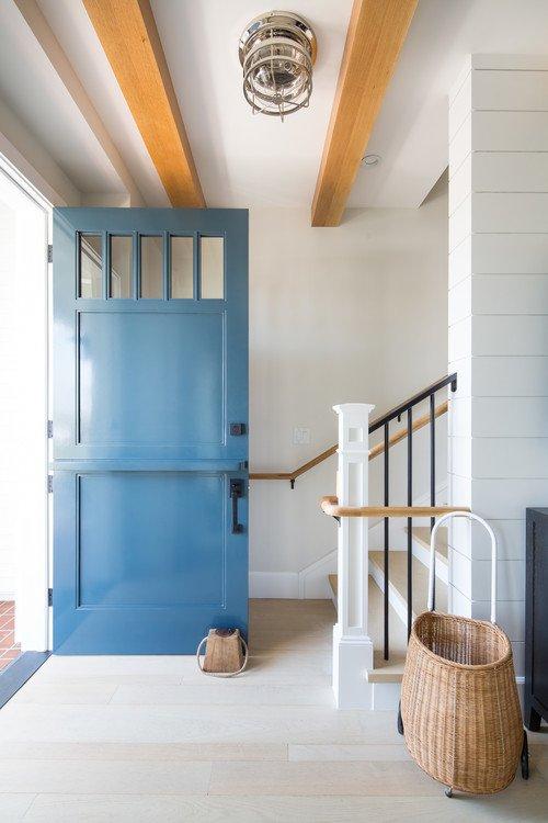 Blaue Haustür am Hafenhäuschen