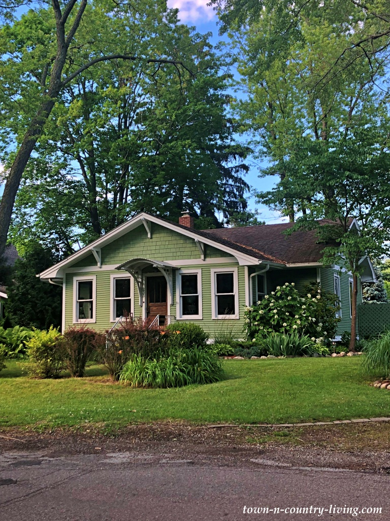 Cottages and Bungalows in Southwest Michigan