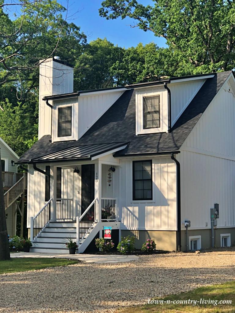 Black and White Tiny Modern Farmhouse
