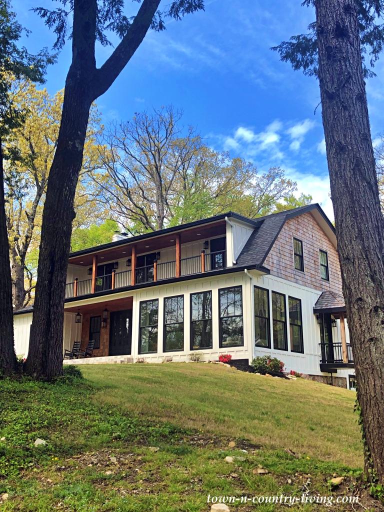 Modern Farmhouse on Lookout Mountain, Georgia