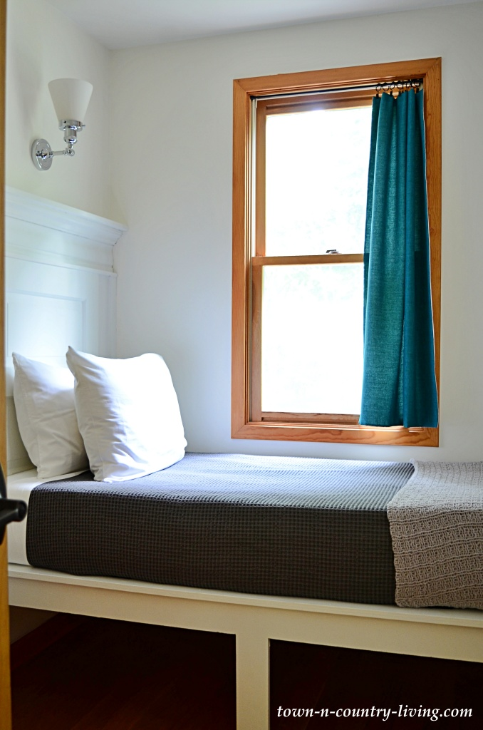 Small Bedroom with Built-in Beds