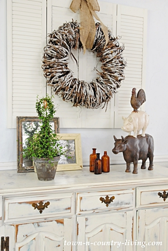Dining Room Buffet with Farm Animal Stack
