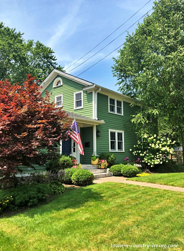 Green Traditional Home in Geneva, Illinois