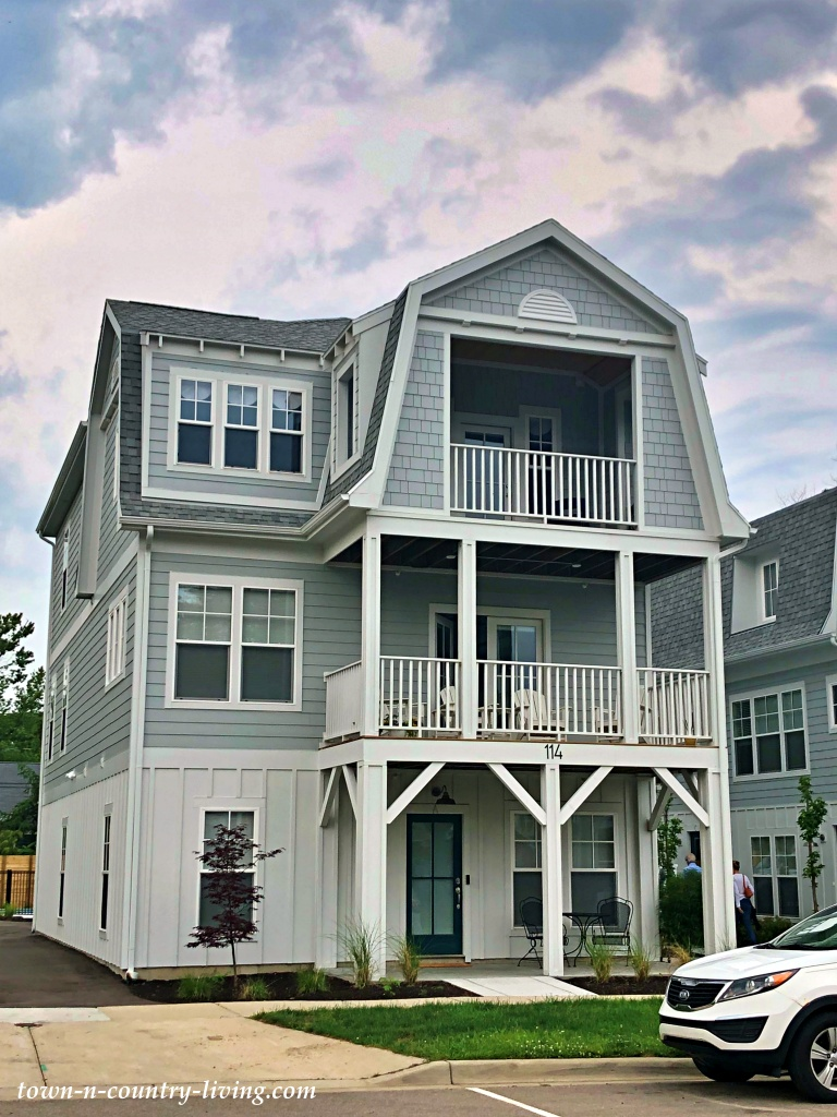 Harbor Home - condominium vacation rentals on Lake Michigan