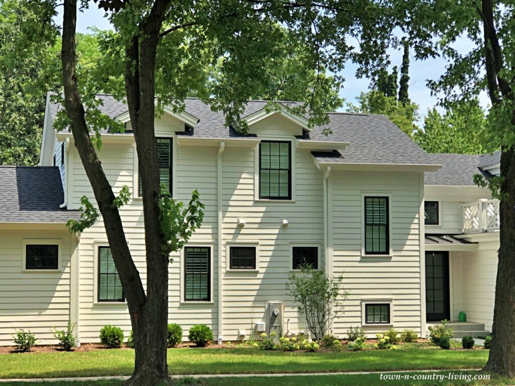 White Modern Farmhouse in Historic Neighborhood