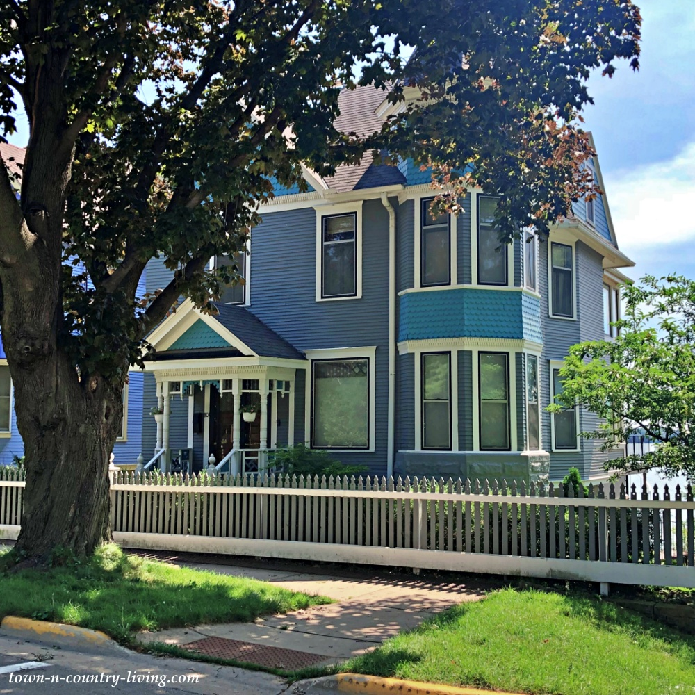 Blue Victorian Mansion in the Heart of Madison